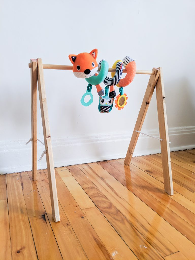 add toys DIY baby gym Montreal lifestyle blog