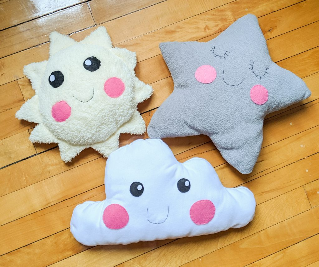 DIY star sun cloud pillow cushion Montreal lifestyle fashion beauty blog 1