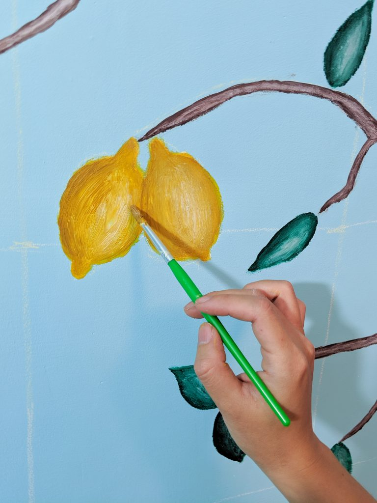 Paint lemons DIY lemon tree statement mural accent wall Montreal lifestyle fashion beauty blog