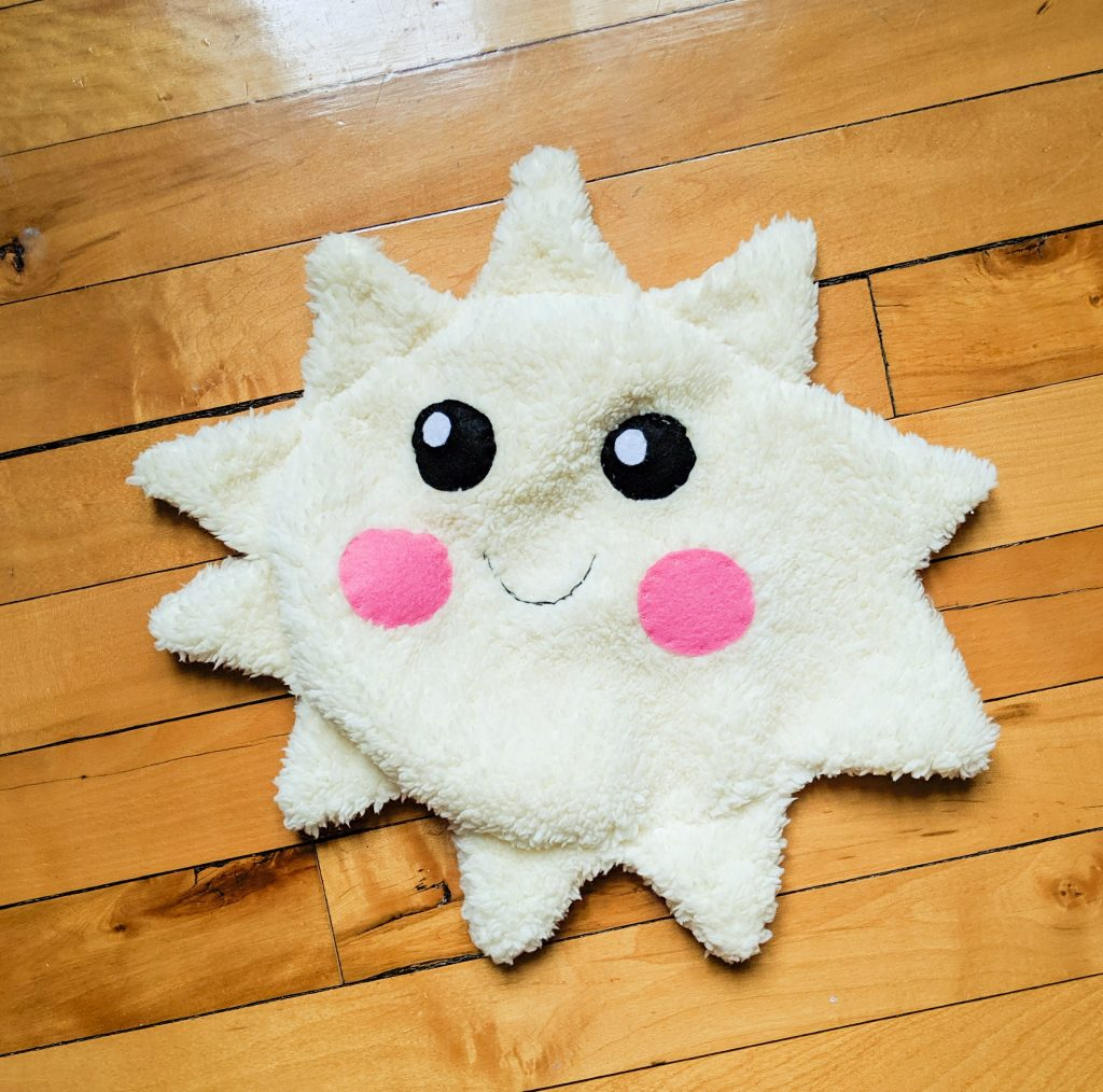 sew sun face DIY star sun cloud pillow cushion Montreal lifestyle fashion beauty blog