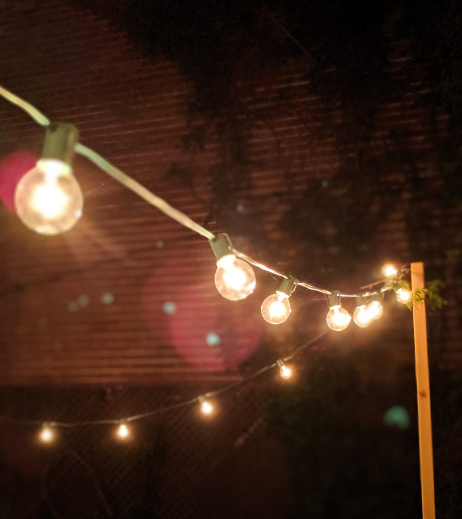 DIY string light concrete planter posts Montreal lifestyle beauty fashion blog 2