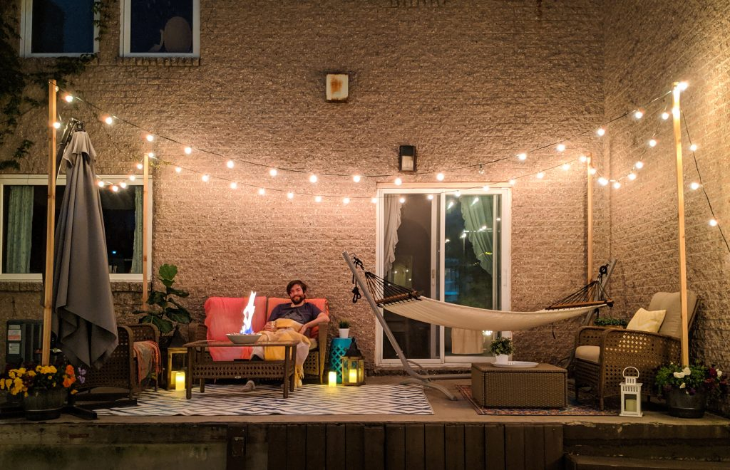 night time string lights patio deck design decor makeover remodel Montreal lifestyle beauty fashion blog 1