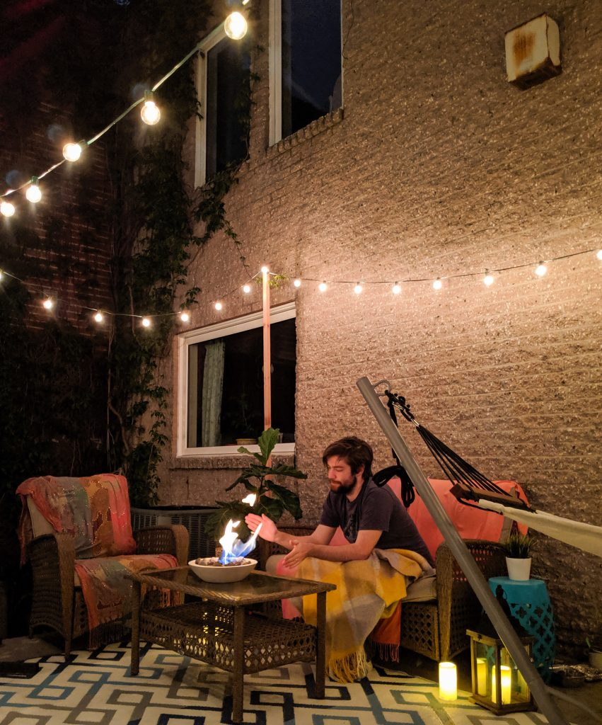 night time string lights patio deck design decor makeover remodel Montreal lifestyle beauty fashion blog 2