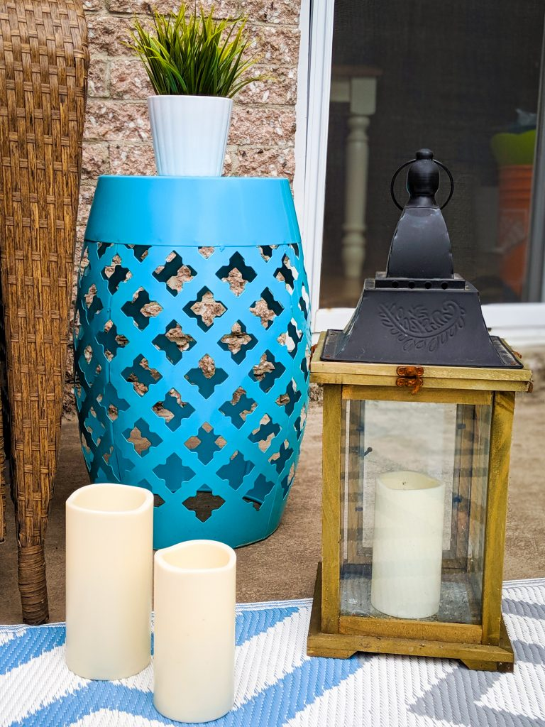 vintage lantern candles outdoor side table patio deck design decor makeover remodel Montreal lifestyle beauty fashion blog