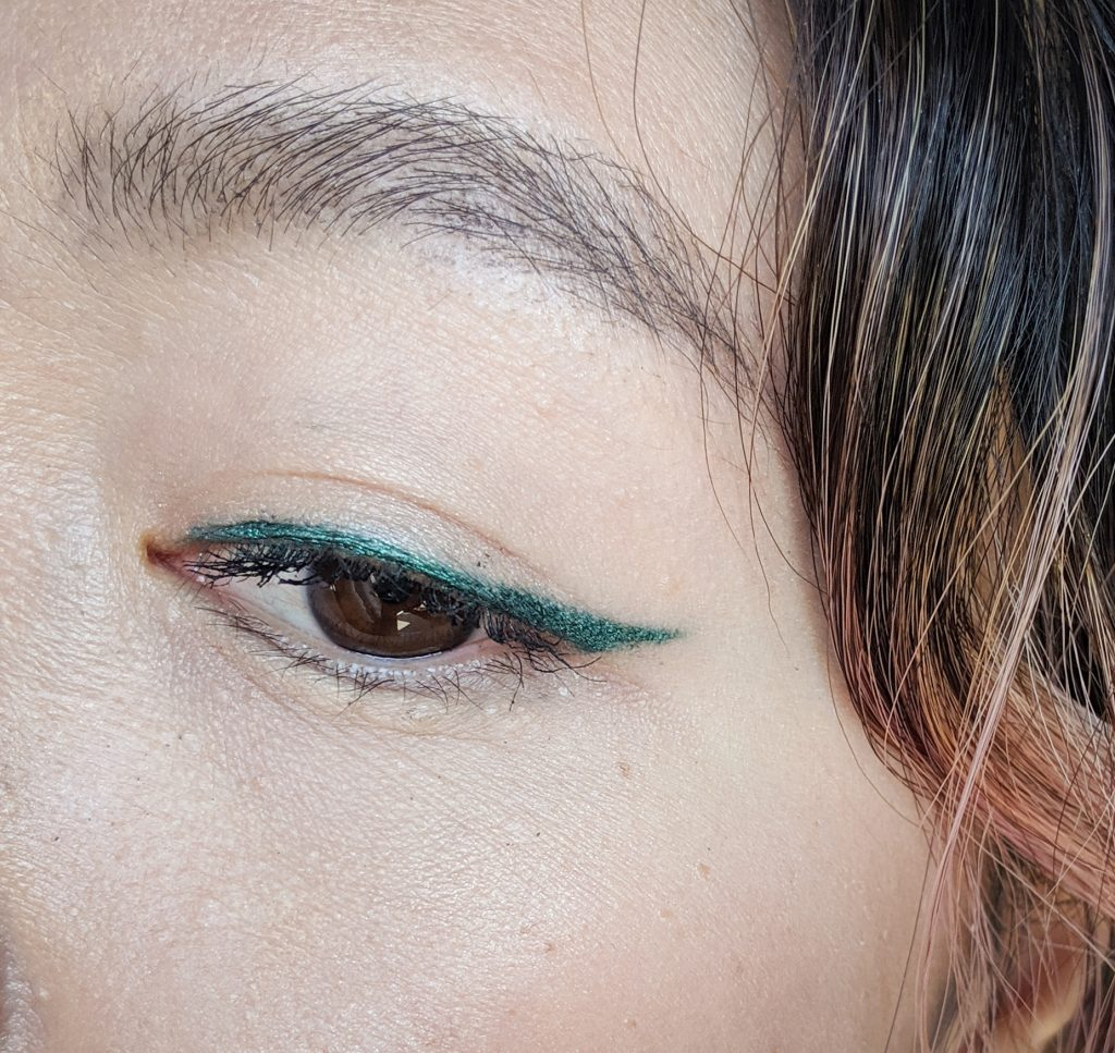 Sephora Collection 12hr Colorful Countour eyeliner Good Mood hunter green fall autumn Montreal fashion beauty lifestyle blog 1
