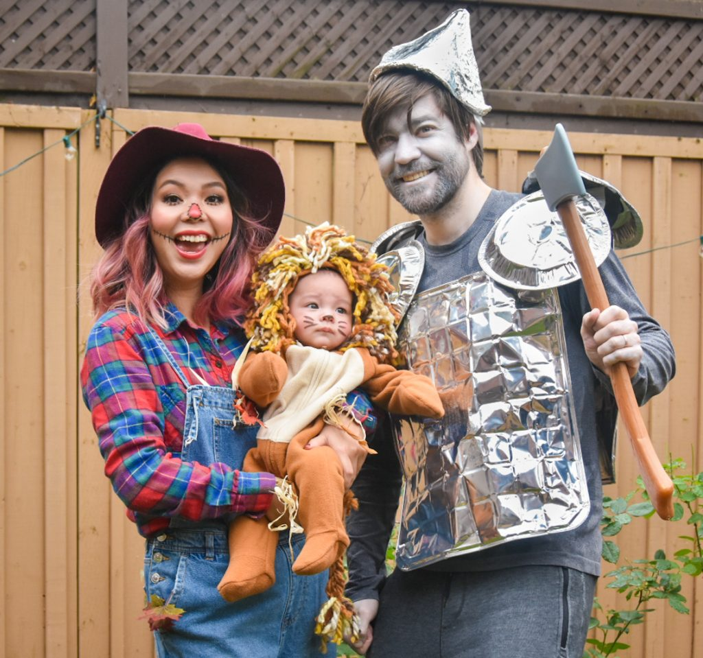 Wizard of Oz family Halloween costume tin man scarecrow lion Montreal fashion beauty lifestyle blog 1