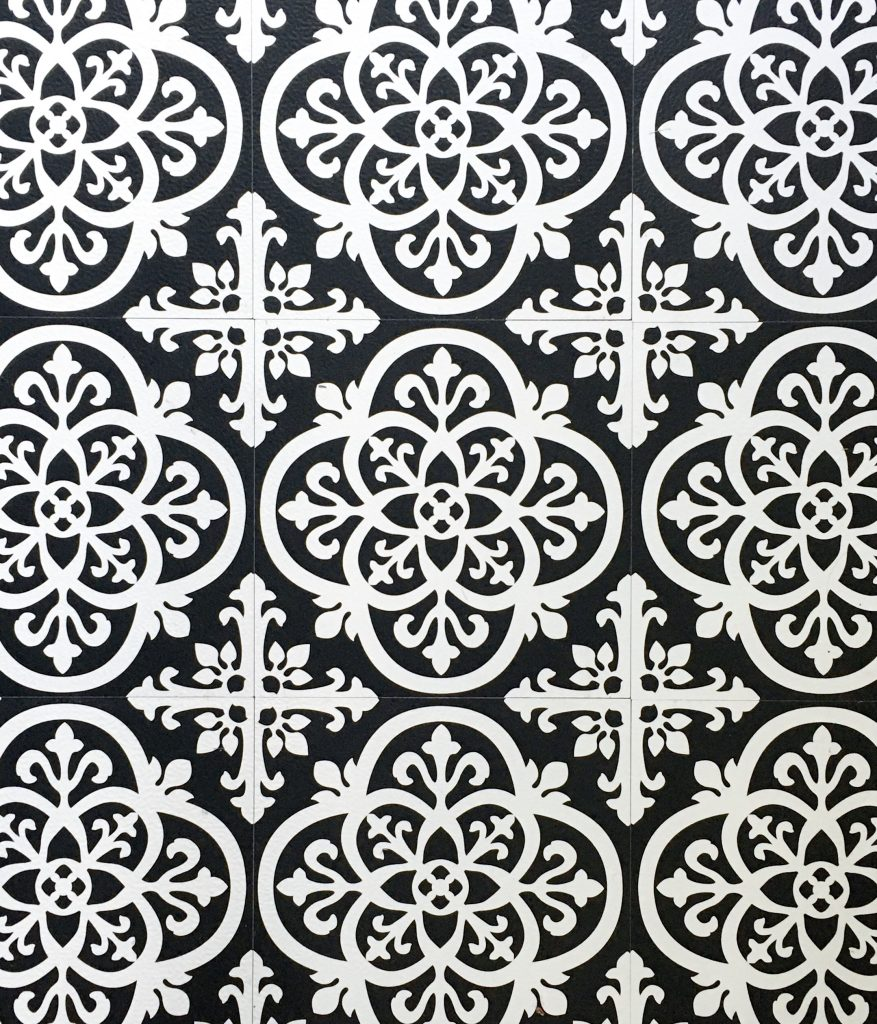 after peel and stick floor tile Montreal lifestyle fashion beauty blog