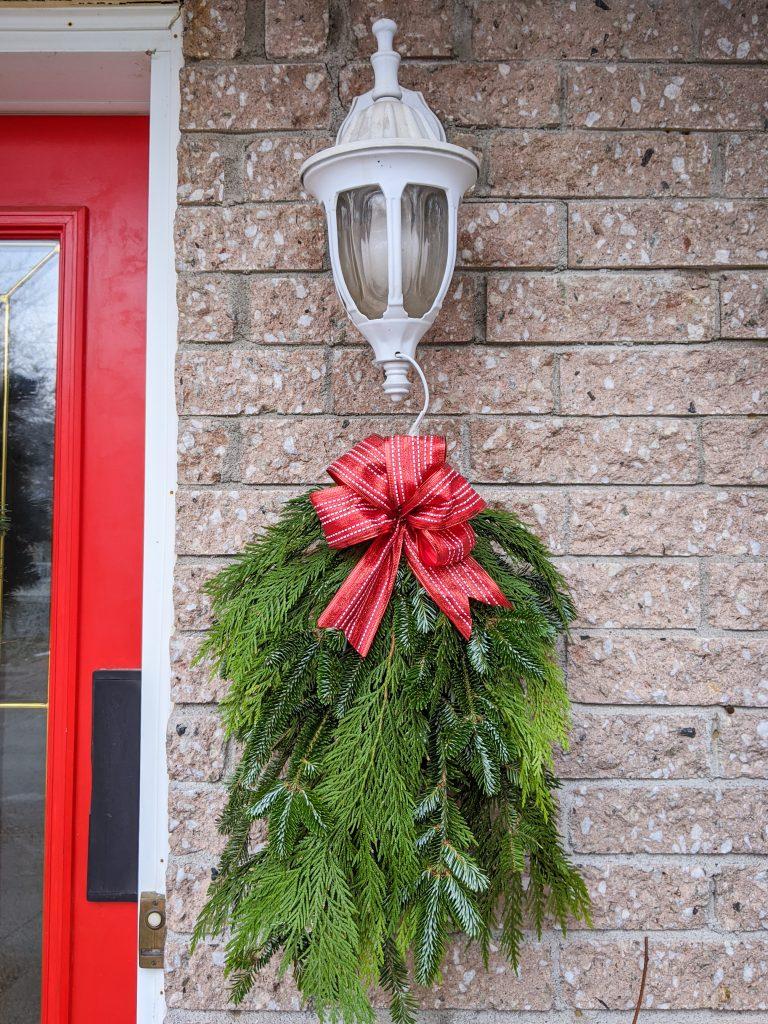 DIY holiday Christmas porch light decor Montreal lifestyle beauty fashion blog 2