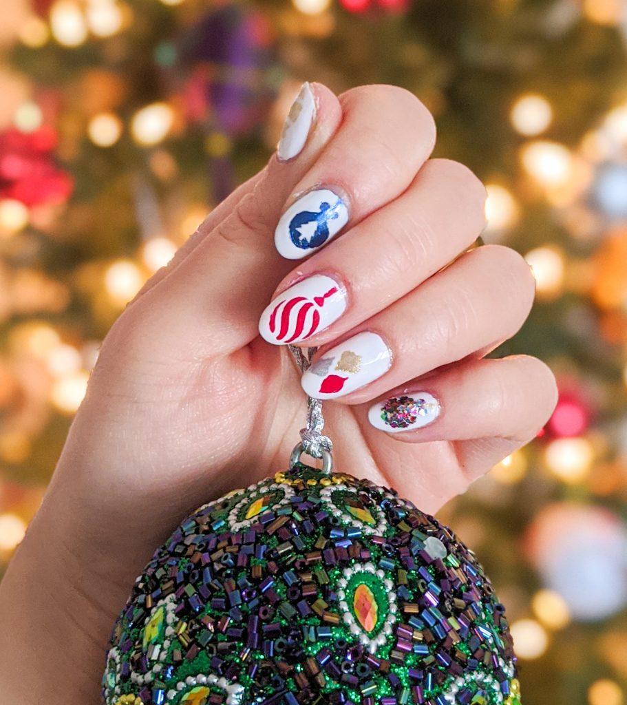 DIY ornament nail art holiday Christmas manicure Montreal beauty fashion blog 1