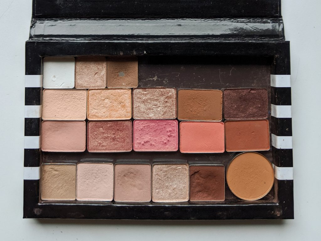 finished product how to depot eye shadow palette Montreal beauty fashion lifestyle blog