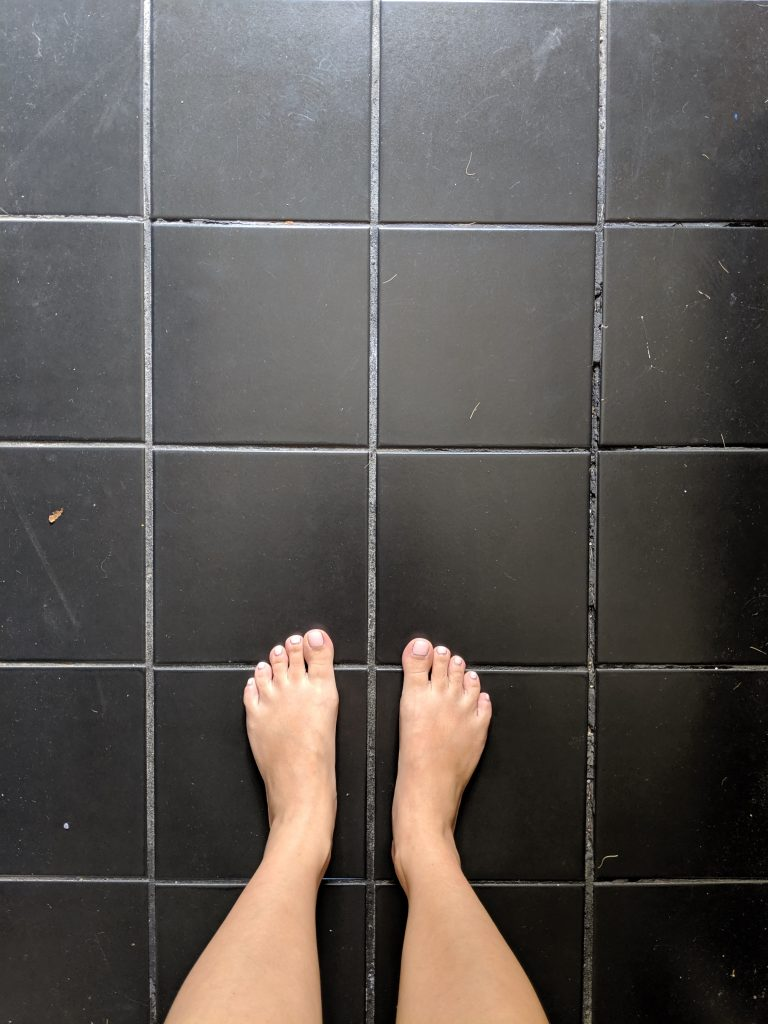 before DIY stick on tile makeover entryway remodel Montreal lifestyle fashion beauty blog