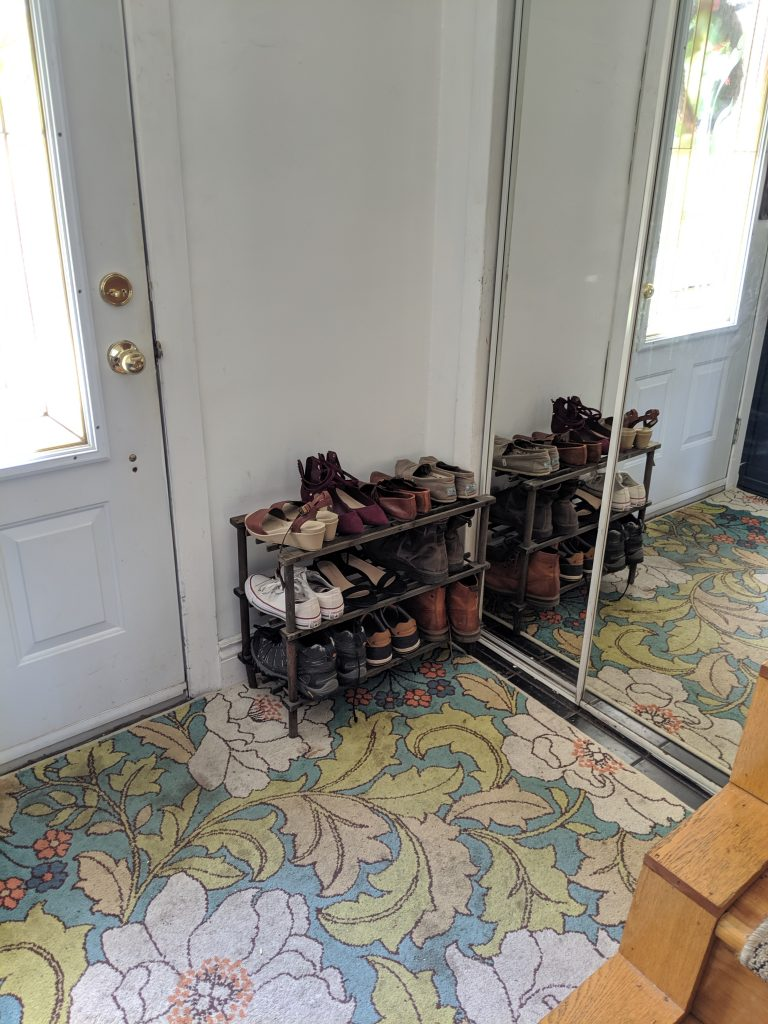 before shoe cabinet remodel entryway remodel Montreal lifestyle fashion beauty blog