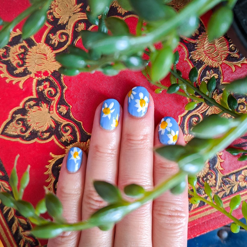 daisy spring nail art mani Montreal beauty fashion lifestyle blog 2