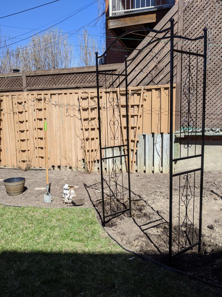 installing arbour backyard border garden transformation remodel Montreal lifestyle fashion beauty blog