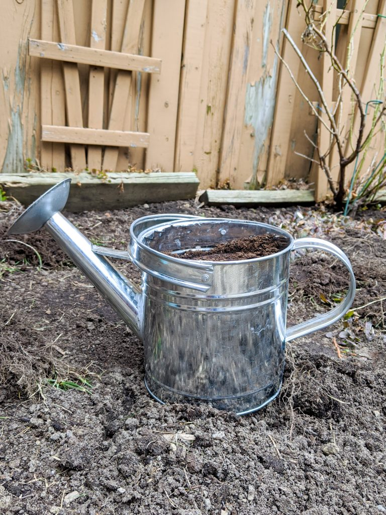 watering can planter ideas Montreal lifestyle fashion beauty blog