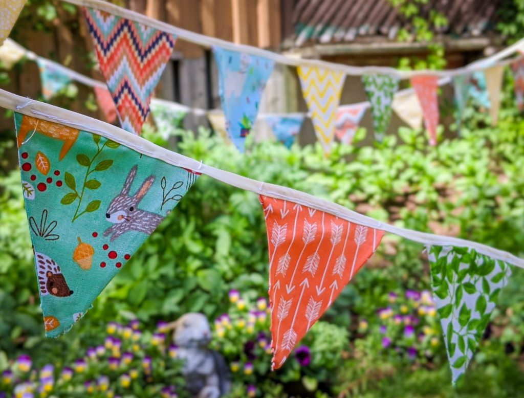 DIY birthday party bunting banner Montreal lifestyle fashion beauty blog 3