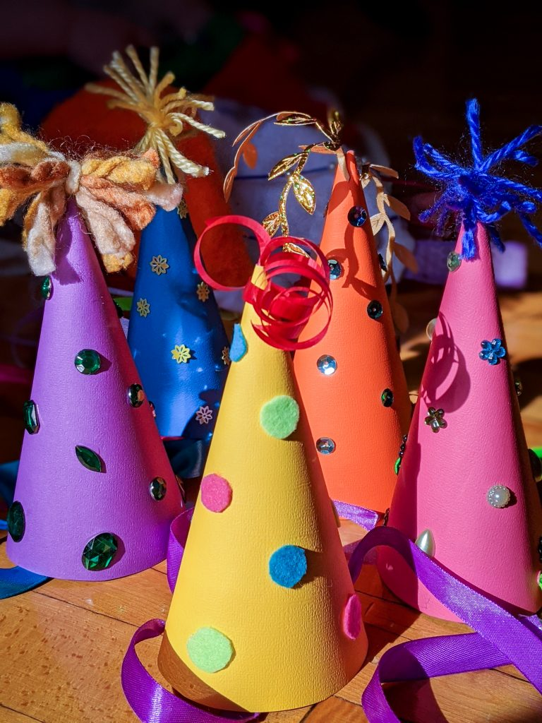DIY birthday party hat Montreal lifestyle fashion beauty blog 4
