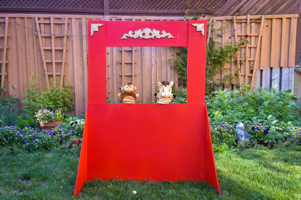 DIY puppet theatre Montreal lifestyle fashion beauty blog 4
