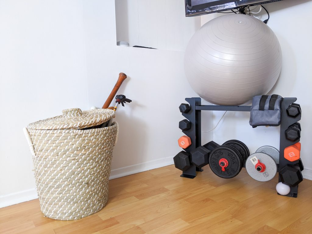 basket weight rack DIY basement remodel Montreal lifestyle fashion beauty blog