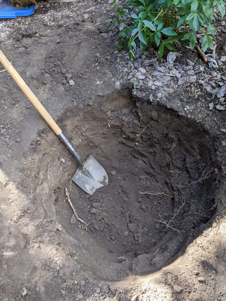 dig hole backyard landscaping garden makeover Montreal lifestyle fashion beauty blog
