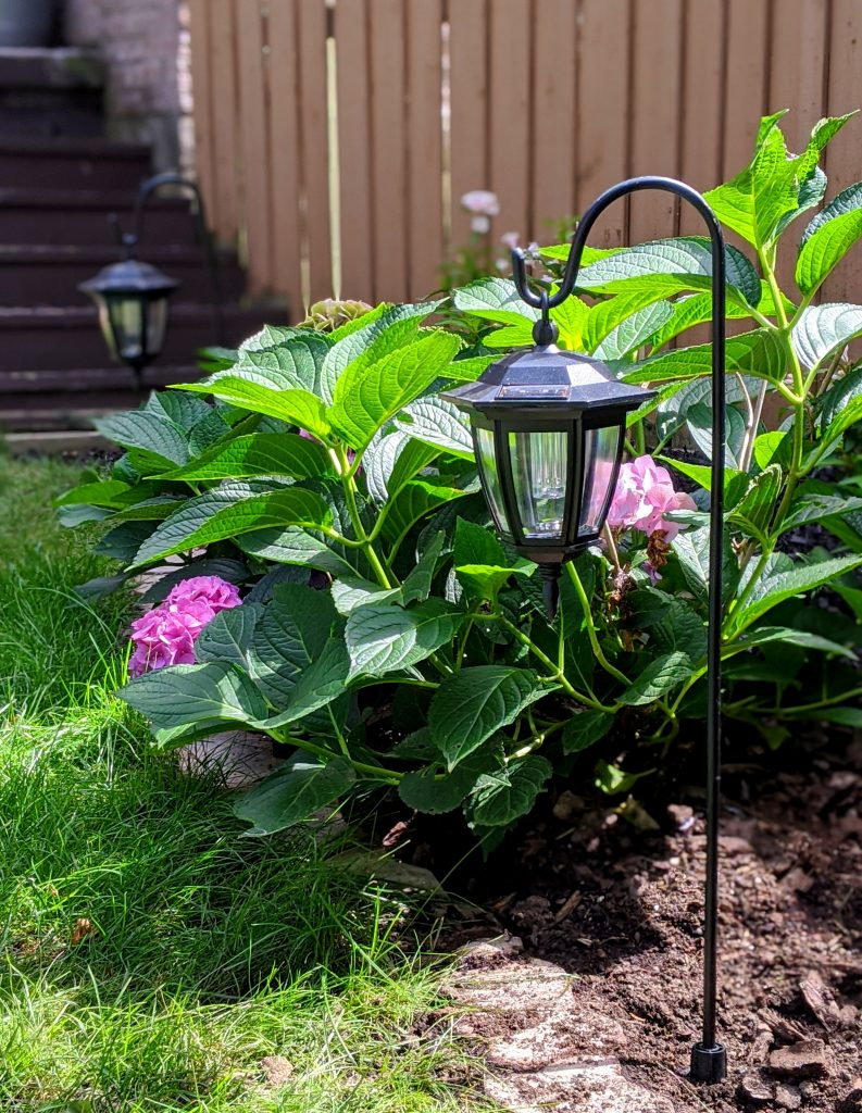 landscaping lanterns backyard garden landscaping makeover Montreal lifestyle fashion beauty blog