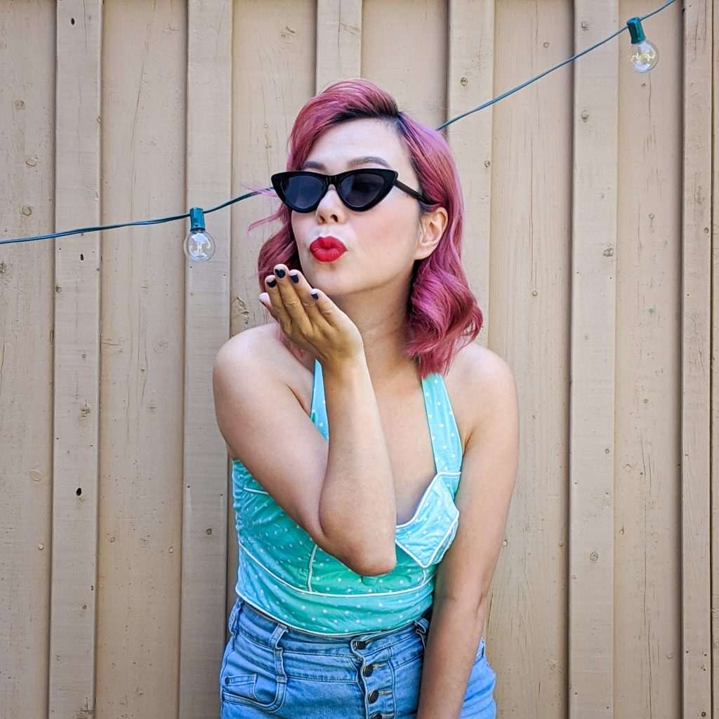 retro vintage halter top high-waisted denim shorts Montreal fashion beauty lifestyle blog 4