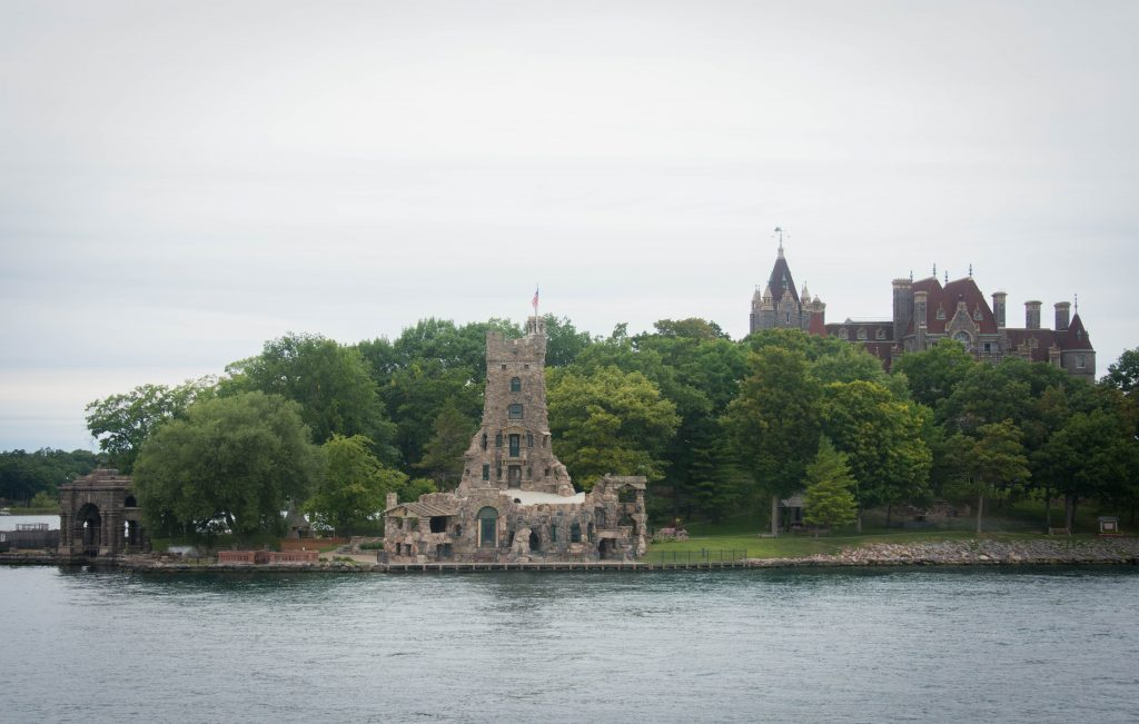 Boldt Castle boat tour 1000 Islands Sandbanks Provincial Park travel Montreal lifestyle fashion beauty blog
