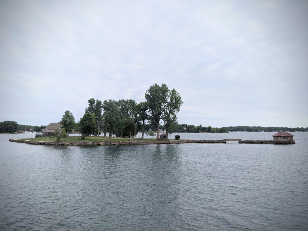 small island Gananoque boat tour 1000 Islands Sandbanks Provincial Park travel Montreal lifestyle fashion beauty blog