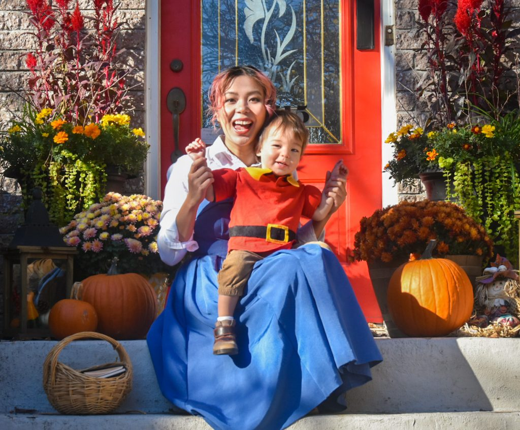 DIY Belle and Gaston Halloween costume Montreal lifestyle fashion beauty blog 2