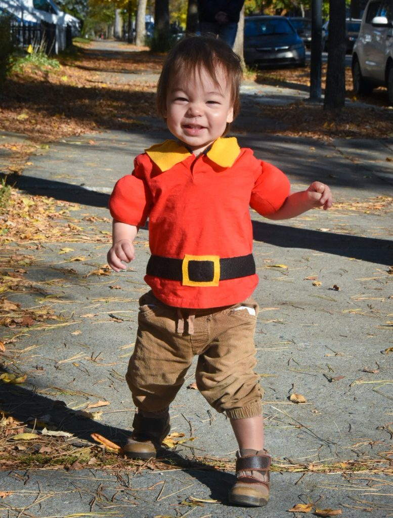 DIY toddler Gaston Halloween costume Montreal lifestyle fashion beauty blog