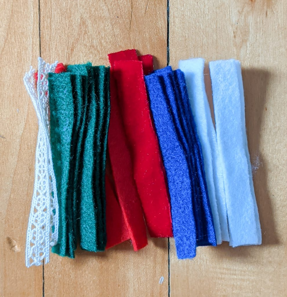 cut strips for stocking hangers DIY advent calendar Montreal lifestyle fashion beauty blog