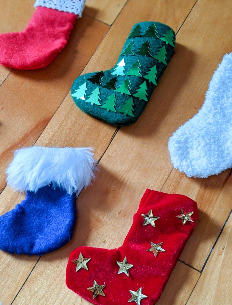 decorate stockings DIY advent calendar Montreal lifestyle fashion beauty blog