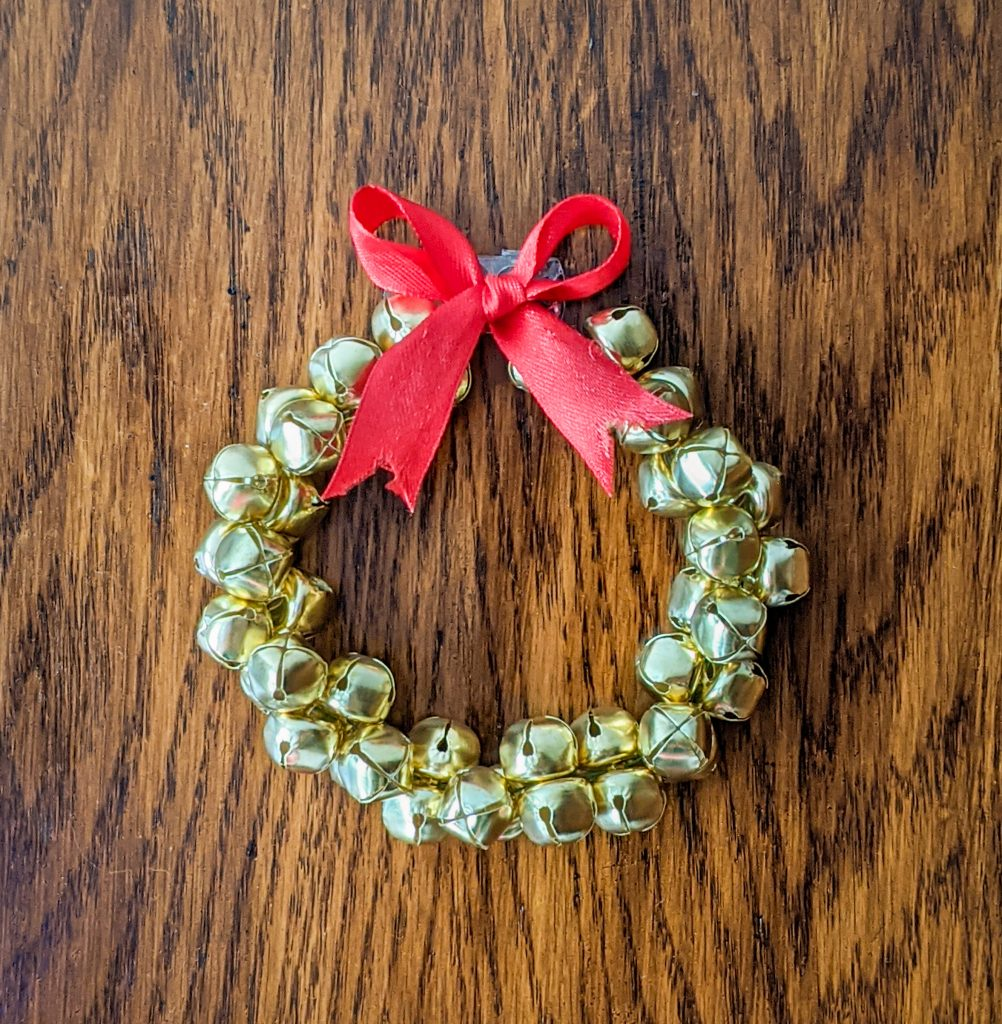 DIY bell wreath Montreal lifestyle fashion beauty blog 2
