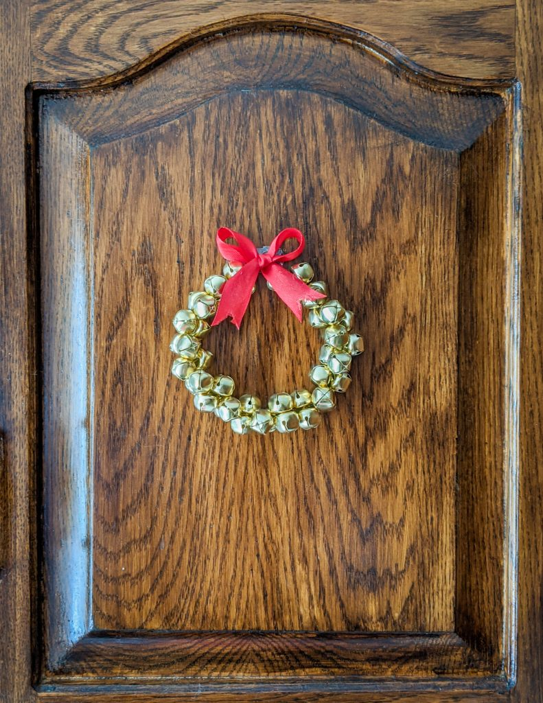 DIY bell wreath Montreal lifestyle fashion beauty blog 3