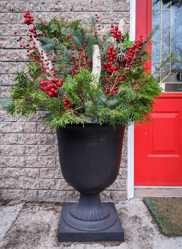 add berries pine cones other decor DIY easy holiday planter Montreal lifestyle fashion beauty blog