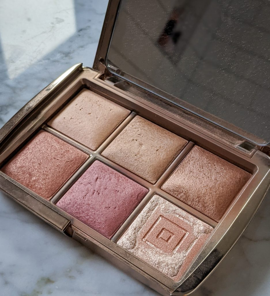 Hourglass Unlocked Ambient Palette winter favourites Montreal lifestyle fashion beauty blog 1