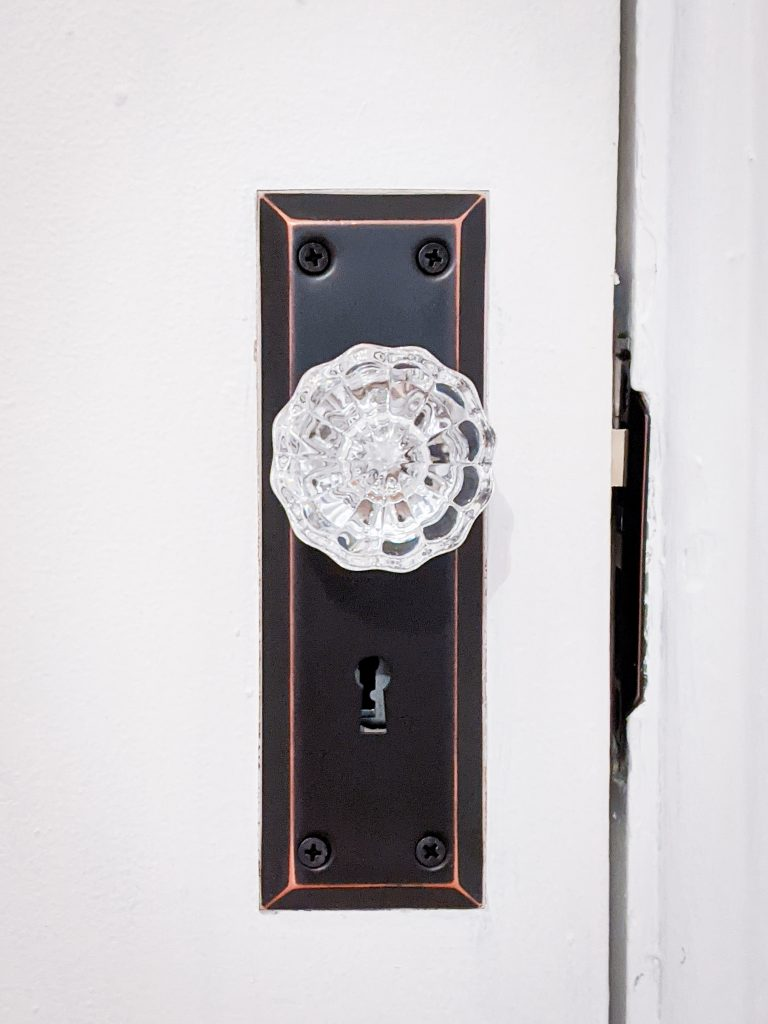 after vintage-inspired mortise lock doorknob DIY door remodel makeover Montreal lifestyle beauty fashion blog 1