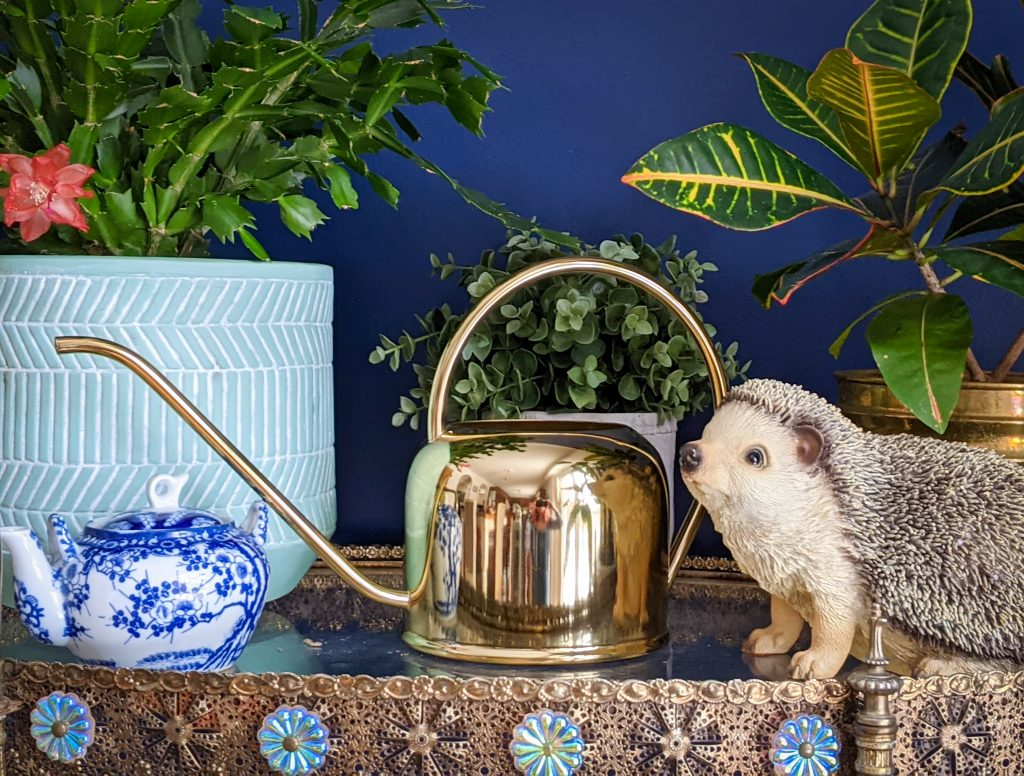 H&M gold watering can gardening gear favourites Montreal lifestyle fashion beauty blog 2