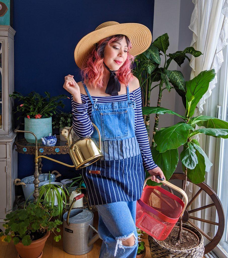 IKEA Risatorp basket Sophie Conran waist apron Love & Lore straw hat H&M gold watering can gardening gear favourites Montreal lifestyle fashion beauty blog 2