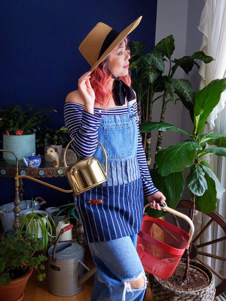 IKEA Risatorp basket Sophie Conran waist apron Love & Lore straw hat H&M gold watering can gardening gear favourites Montreal lifestyle fashion beauty blog