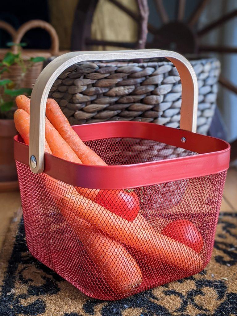 IKEA Risatorp basket gardening gear favourites Montreal lifestyle fashion beauty blog 1