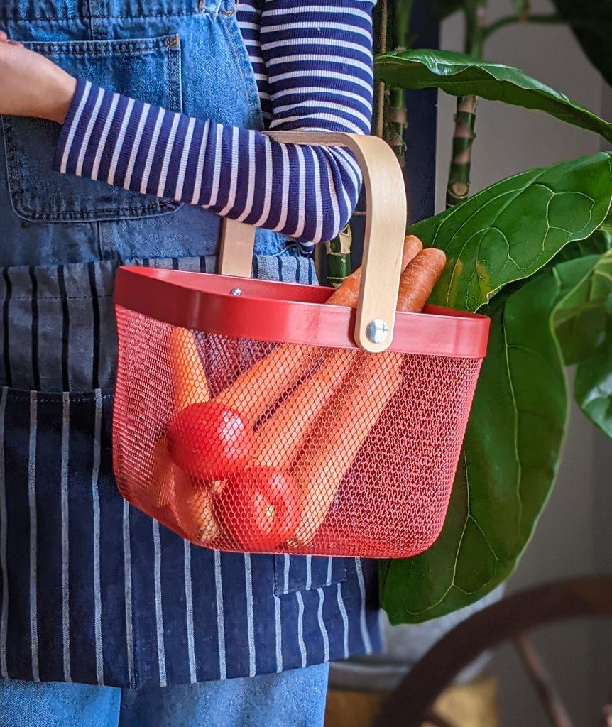 IKEA Risatorp basket gardening gear favourites Montreal lifestyle fashion beauty blog 2
