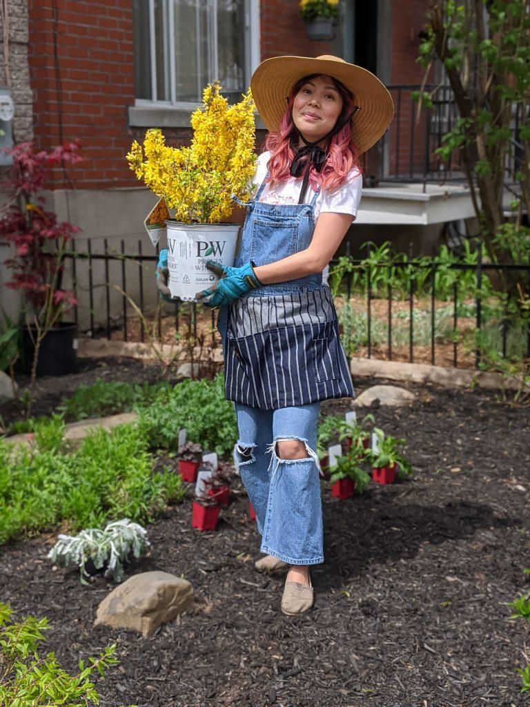 Showoff Starlet Forsythia DIY front yard garden landscaping Montreal lifestyle fashion beauty blog