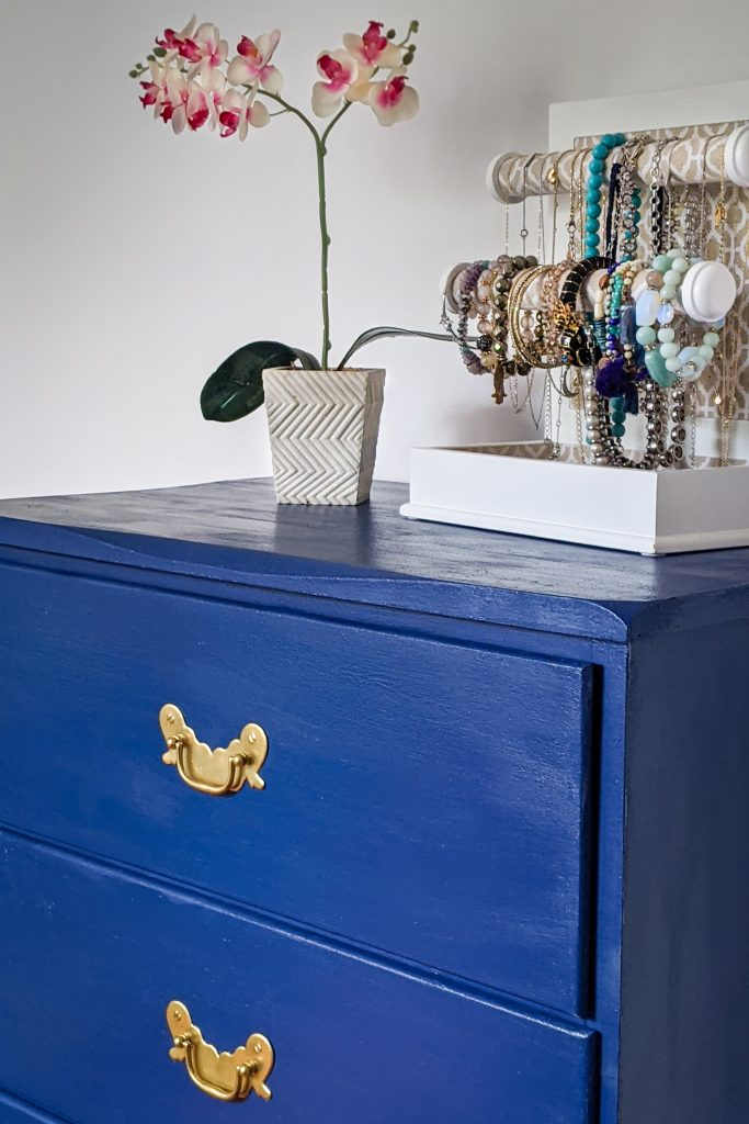 after DIY thrifted dresser remodel makeover Montreal lifestyle fashion beauty blog 3