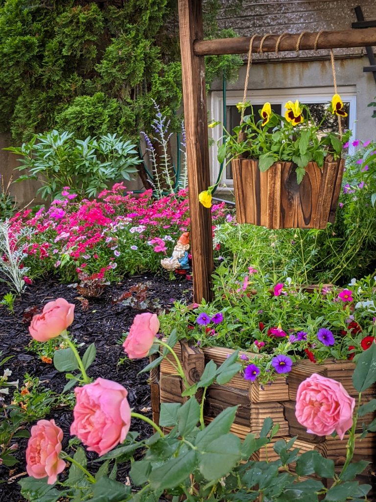 DIY front yard landscaping Montreal lifestyle fashion beauty blog 5